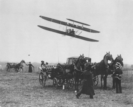 1909_Model_A_Flying_in_France